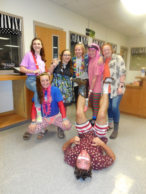 Students Dress Crazy!