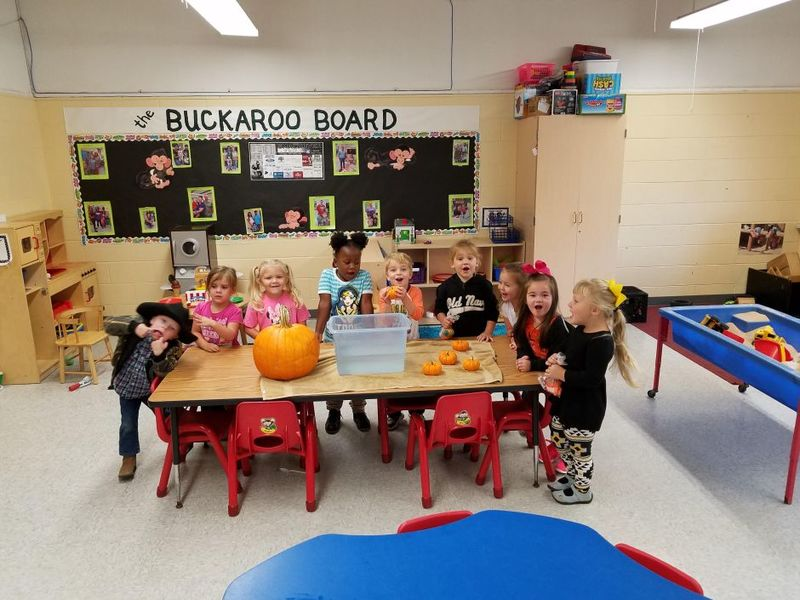 SPS Students Experiment to See if Pumpkins Sink or Swim