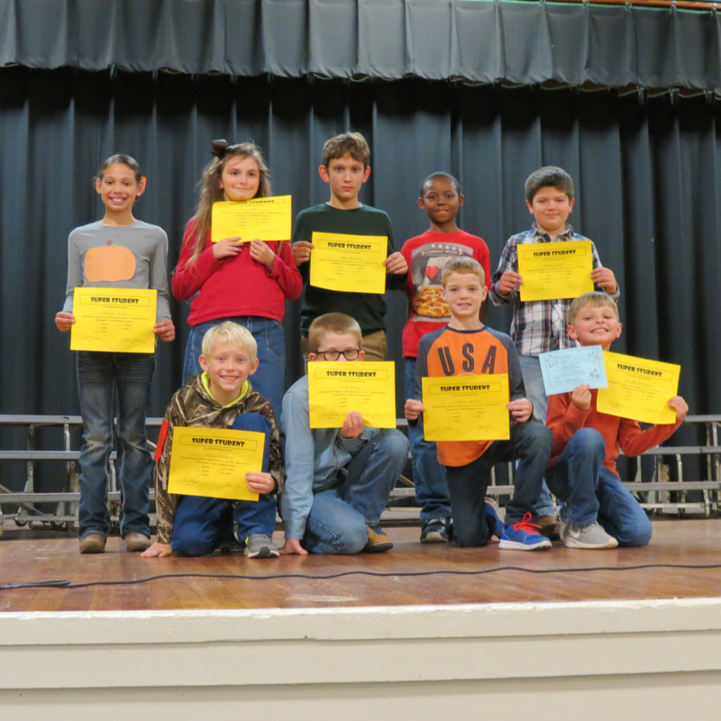 4th Graders Display Awards
