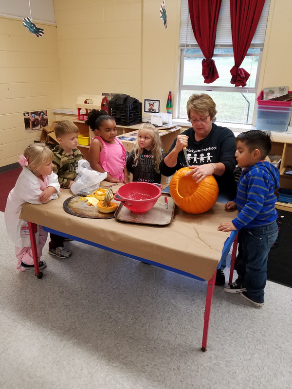 SPS Students Learn to Make Jack o' Lanterns