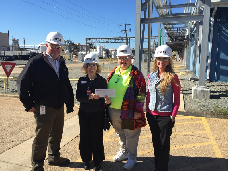 Lanxess Presents Grant Money to the SNSD STEM Program