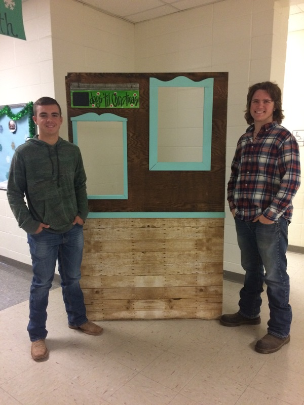 Ag Students Build Photo Booth for SES