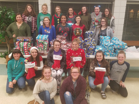 SHS Softball Team Celebrates Christmas