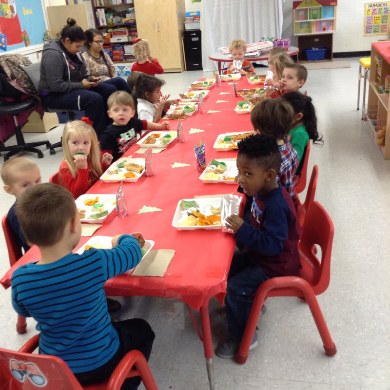 SPS Students Celebrate Christmas with a Luncheon