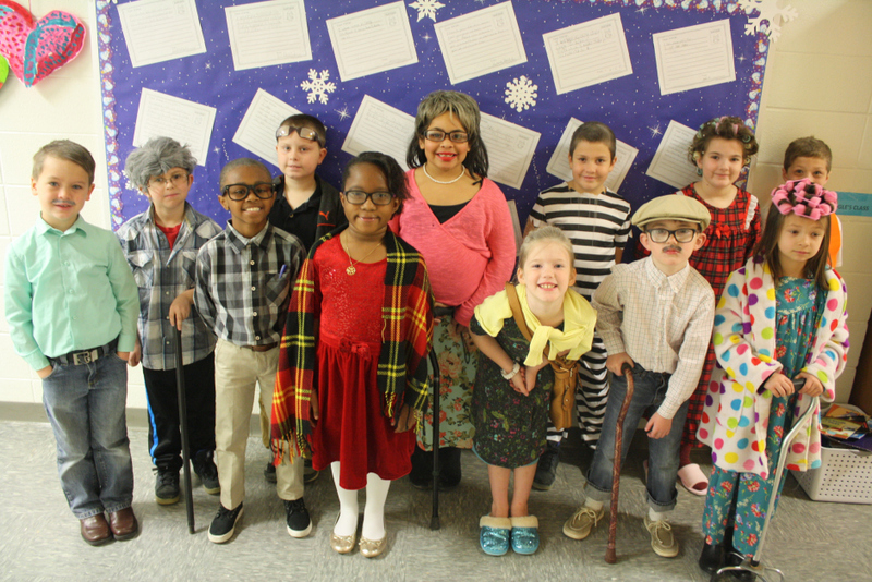 SES Students Celebrate 100th Day