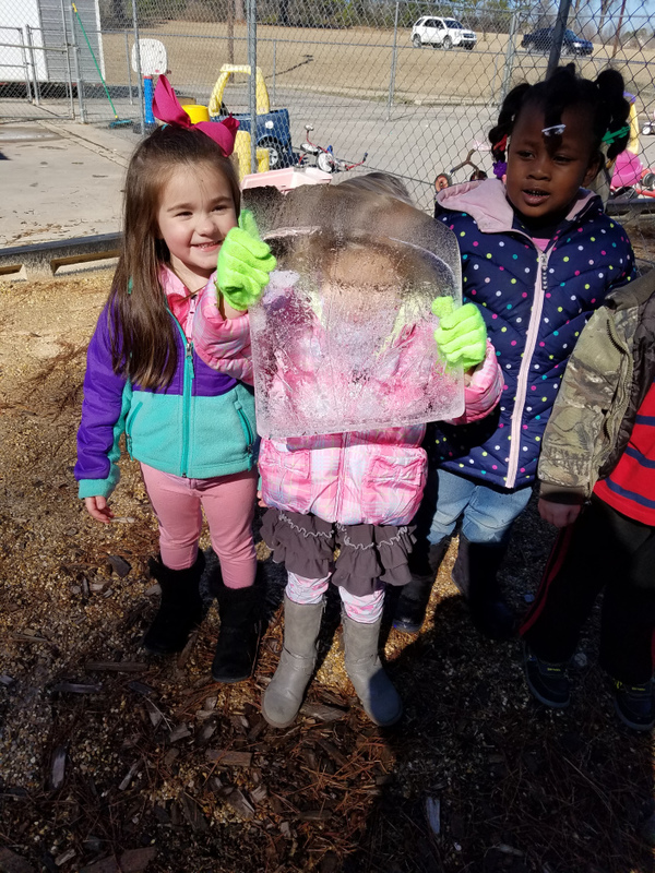 SPS Students Explore Science with an Experiment