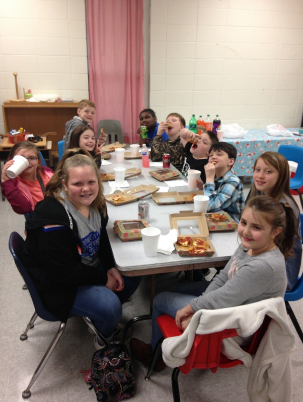 SES Students Eat Lunch with the Principal