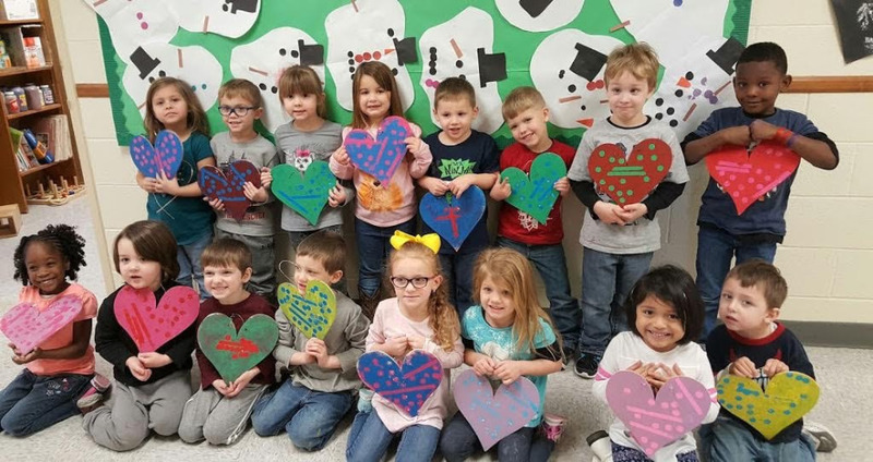 SPS Students Pose with Their Valentines