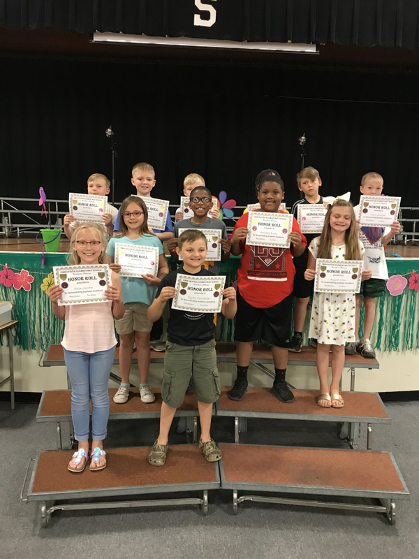 SES 3rd - 5th Grade Receive Awards