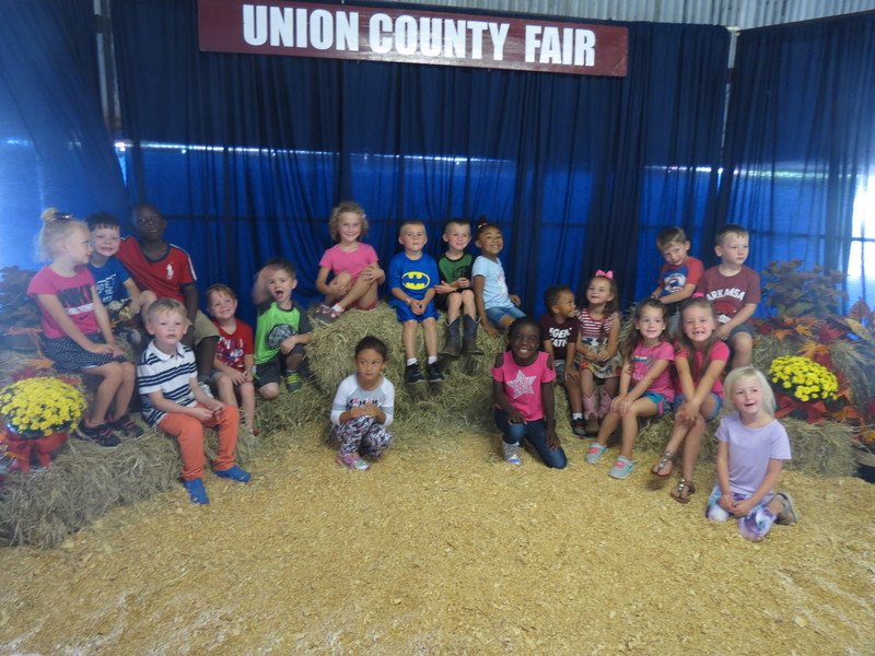 SES kindergarten Students at the Union County Fair