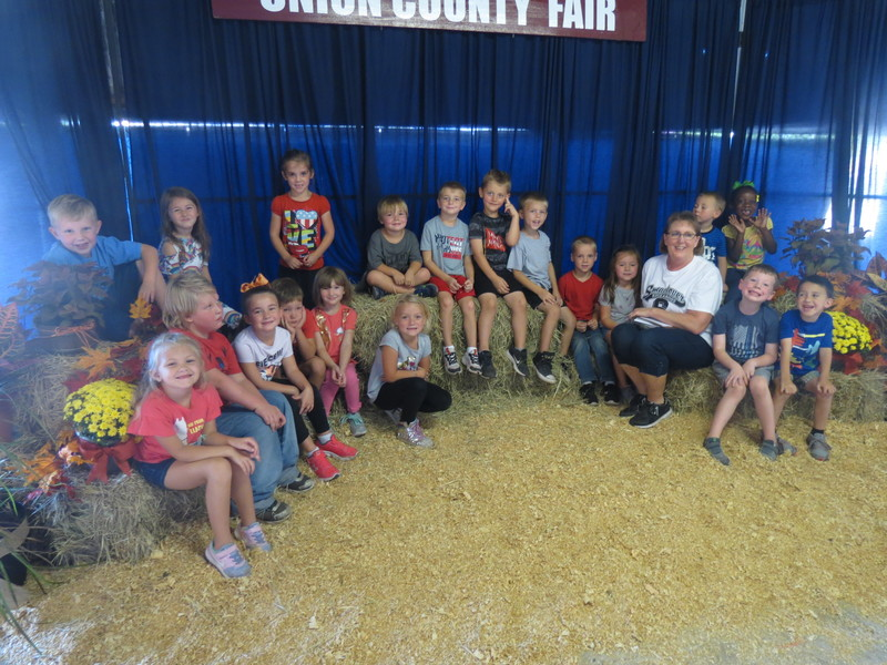 SES Kindergarten Students at Union County Fair pic 2