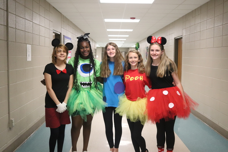 Norphlet middle School Shows Off their Spirit